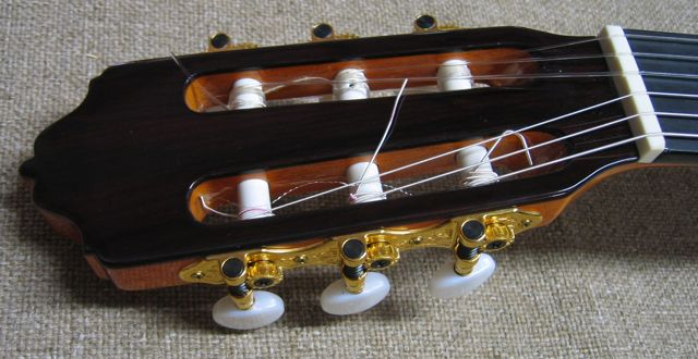 Head and Tuners of R.Fernandez 70 Guitar
